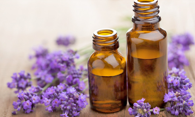 Skin Care Using Essentials Oils for Dry Skin